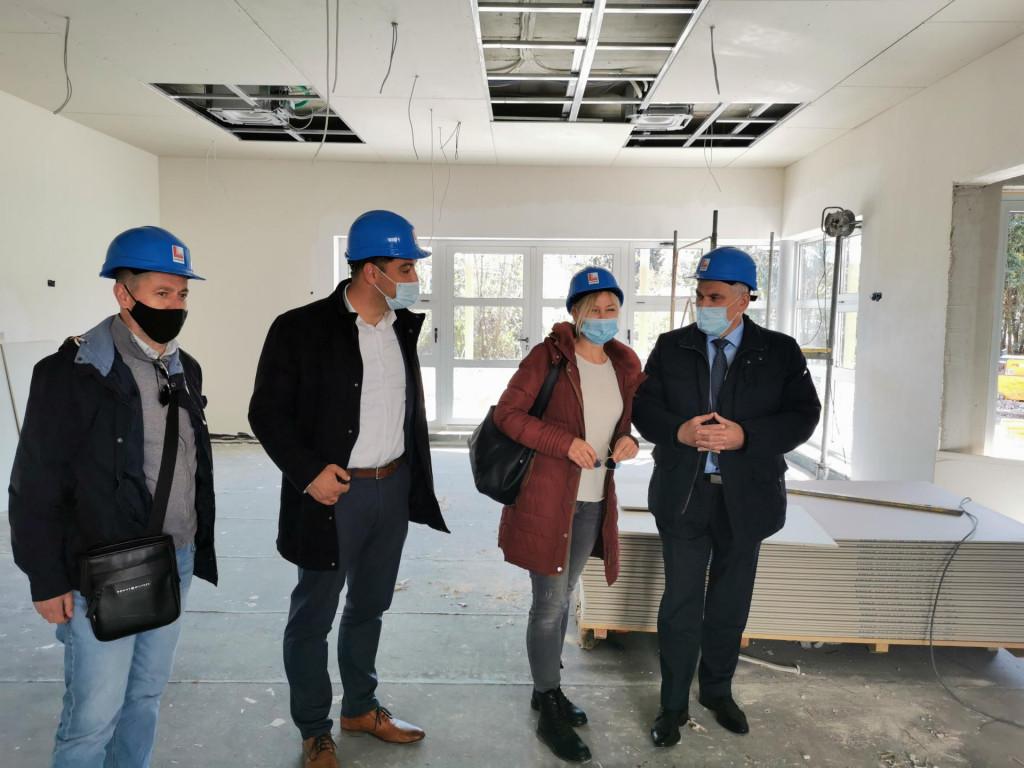 HDZ-ov kandidat za župana Blaženko Boban s lokalnim čelnicima koji će također na predstojeće izbore