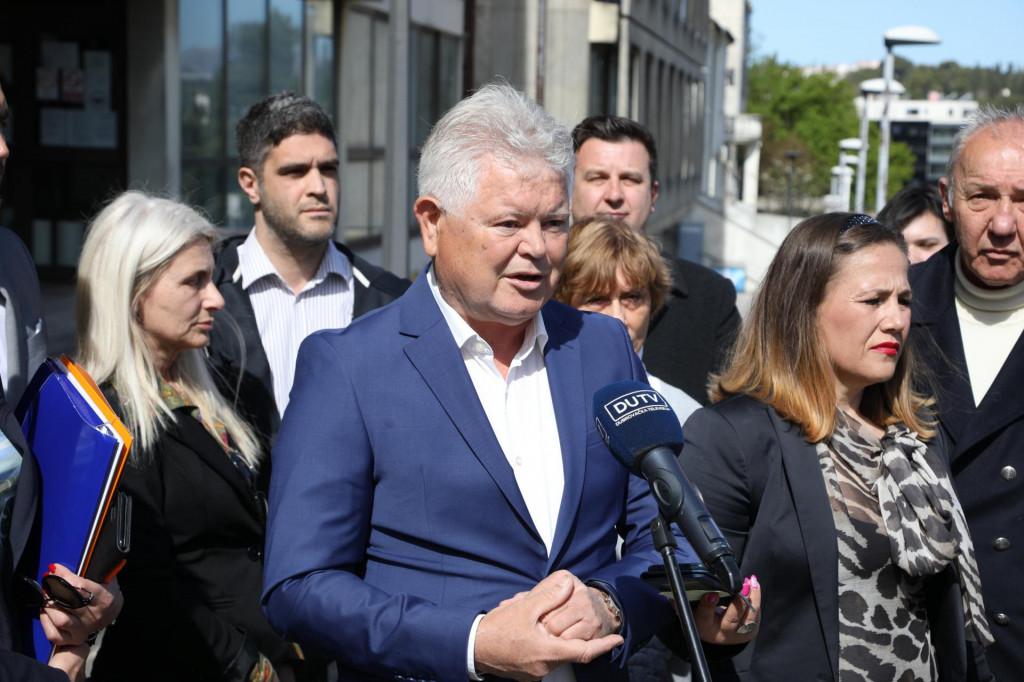 Andro Vlahušić u subotu je predao potpise podrške za svoju kandidaturu za gradonačelnika Dubrovnika