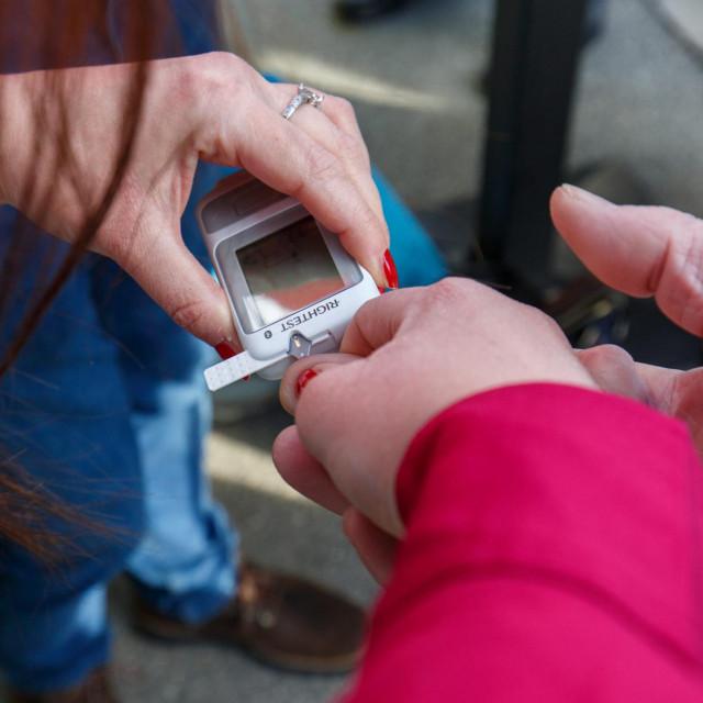 Javnozdravstvena kampanja za rano otkrivanje dijabetesa kod djece održana je na Rivi<br />