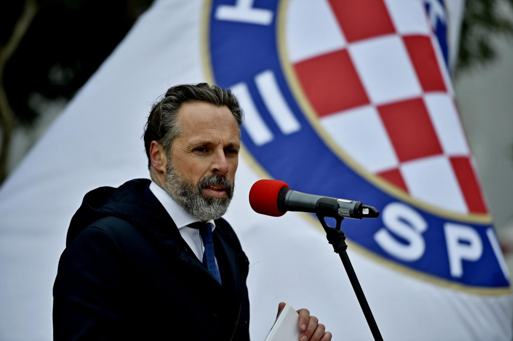 Predsjednik Hajduka Lukša Jakobušić<br />