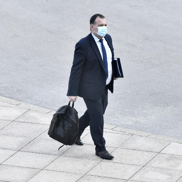 Odlazi li ministar Beroš?