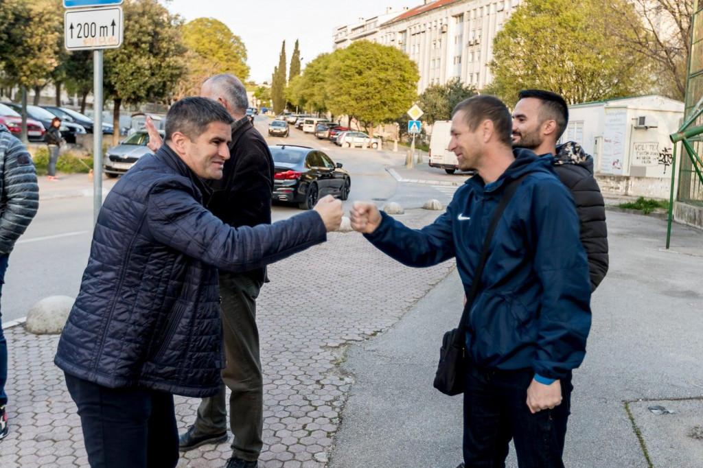 Vice Mihanović, HDZ-ov kandidat za splitskog gradonačelnika sa svojim suradnicima obišao je kotareve Žnjan i Trstenik