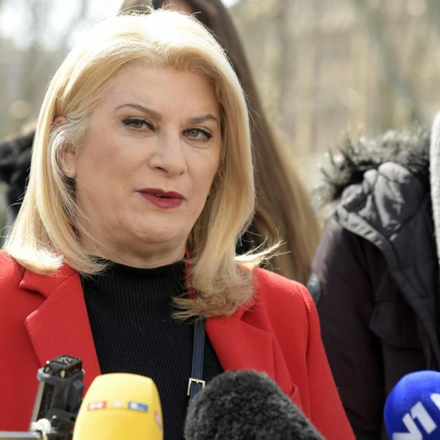 Kandidatkinja za gradonačelnicu Zagreba Vesna Škare Ožbolt održala je konferenciju za medije