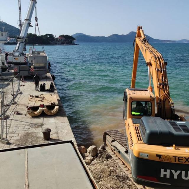 Sanacije i rekonstrukciji rive u Donjem Čele na Koločepu