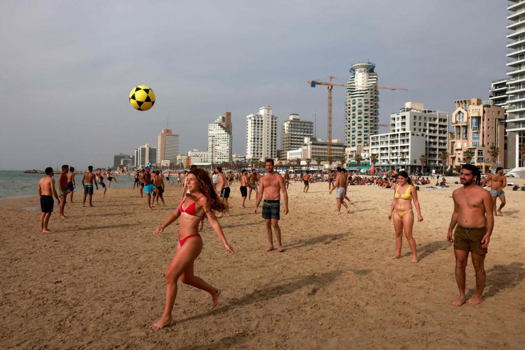 Izrael, zemlja sa 9,3 milijuna stanovnika, u cijelosti je cijepila 81 posto građana starijih od 16 godina