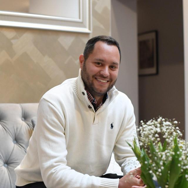 Mateo Dell'Orco odlučio je prkositi apartmanizaciji te je odabrao teži i zahtjevniji put: 'Zadar ne smije postati kulisa za turiste'