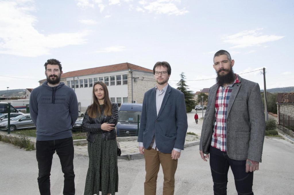 Blaž Seva, Marina Madir, Luka Jadrić, kandidat za načelnika i Ante Baranda, traže izmještanje izbornih mjesta iz zgrade Općine