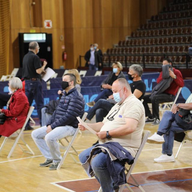 Masovno cijepljenje u Sportskoj dvorani u Dubrovniku