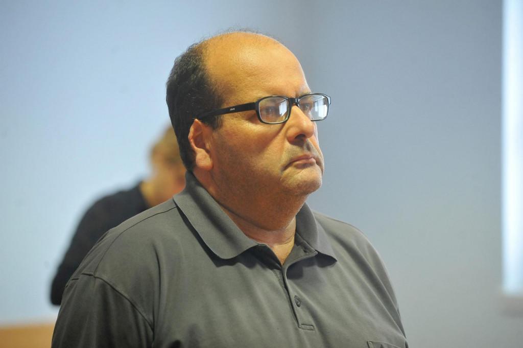 Zlatko Jurinić je osuđen na godinu dana zatvora uvjetno uz rok kušnje od četiri godine jer je kao sudski vjestak lažno vjestačio građevinske radove čime je oštetio tvrtku Turisthotel za 7,5 milijuna kuna