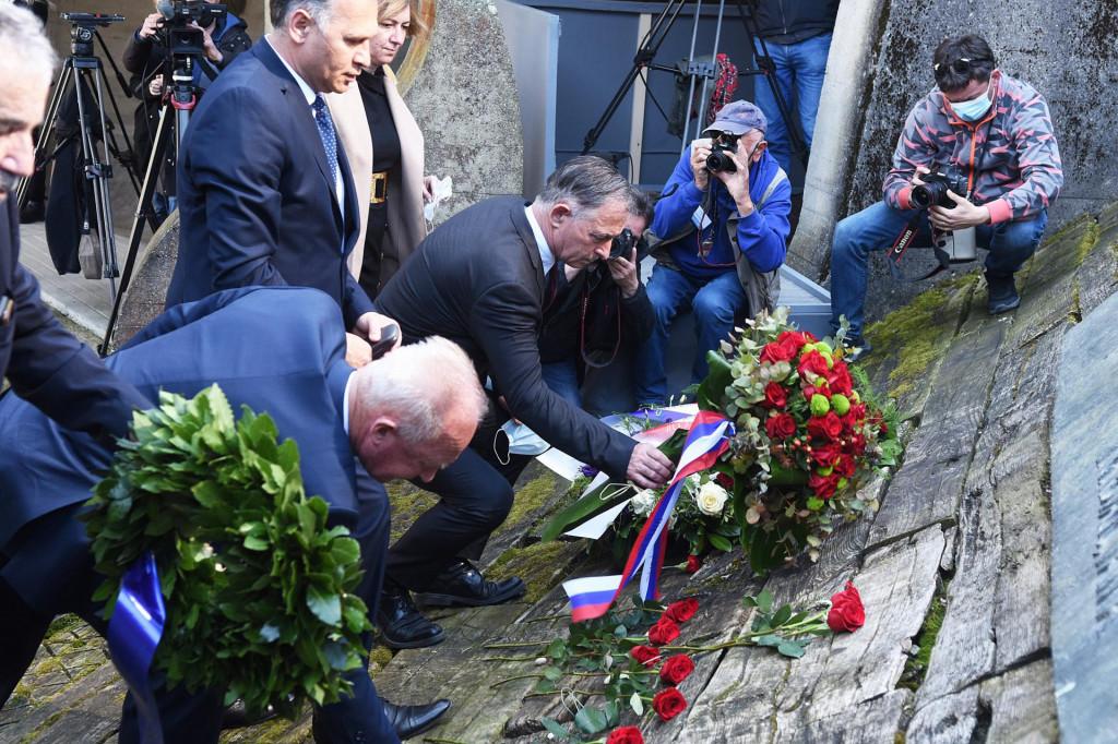 Na fotografiji: Ognjen Kraus, Franjo Habulin, Veljko Kajtazi i Milorad Pupovac.<br />