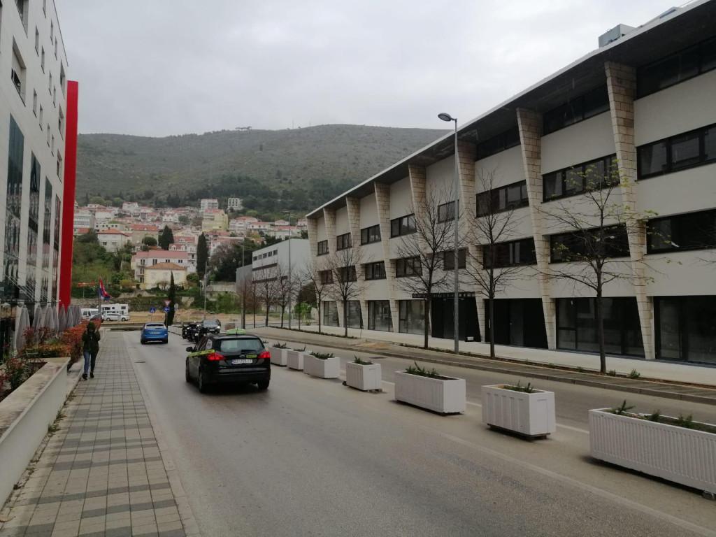 Zbog radova na zgradi gradskog bazena zatvara se dio prometnice
