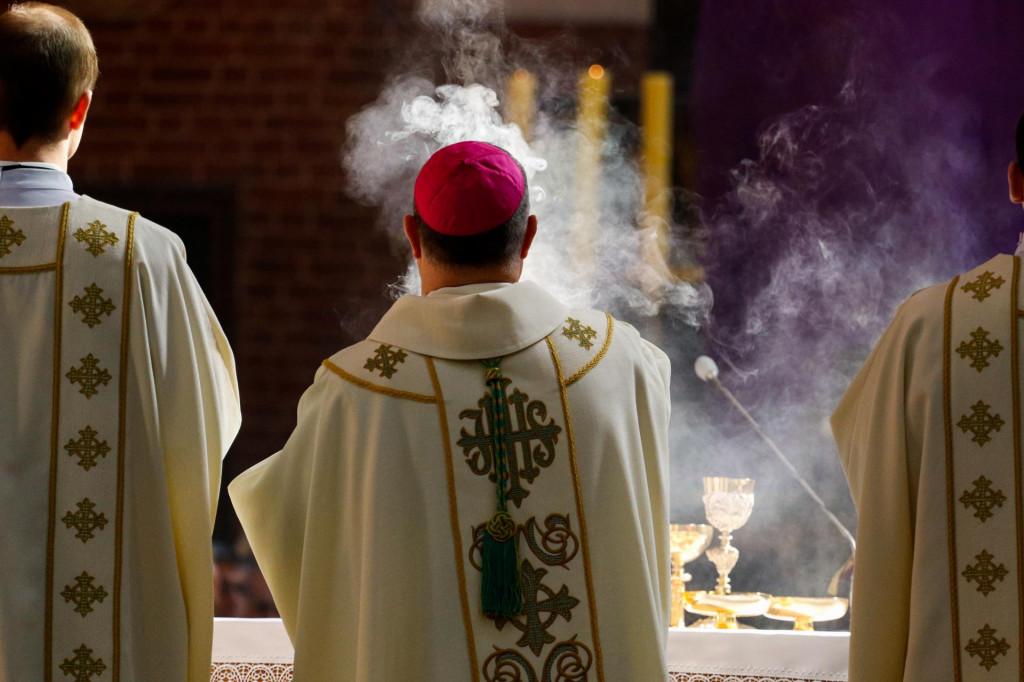 herojska cetinjska krajina ne šljivi nadbiskupa ni svetu stolicu 2%... O_17587946_1024