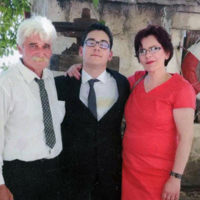 Kristian Vukasović s roditeljima