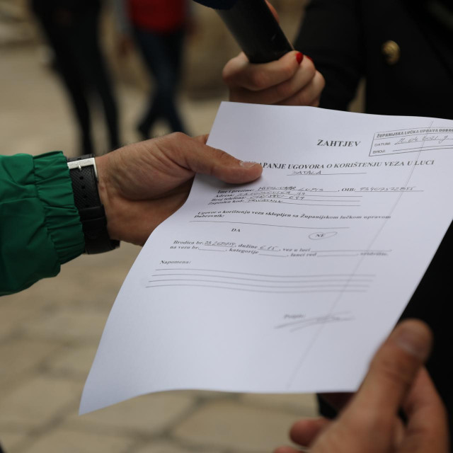 Županijska lučka uprava primila je peticiju. Čeka se reakcija