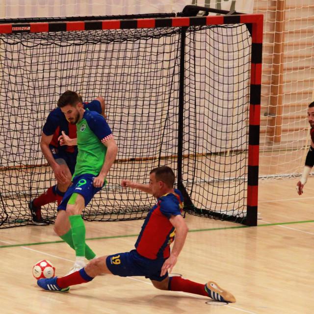 Prva utakmica četvrtfinala doigravanja za prvaka Hrvatske, Omiš: Olmissum - Square 2:0