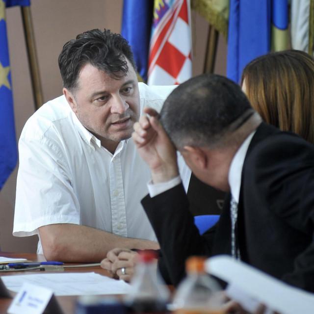 Cijenjeni liječnik Stipislav Jadrijević: hoće li ovaj put njegova lista pogoditi u sridu ili - promašiti?