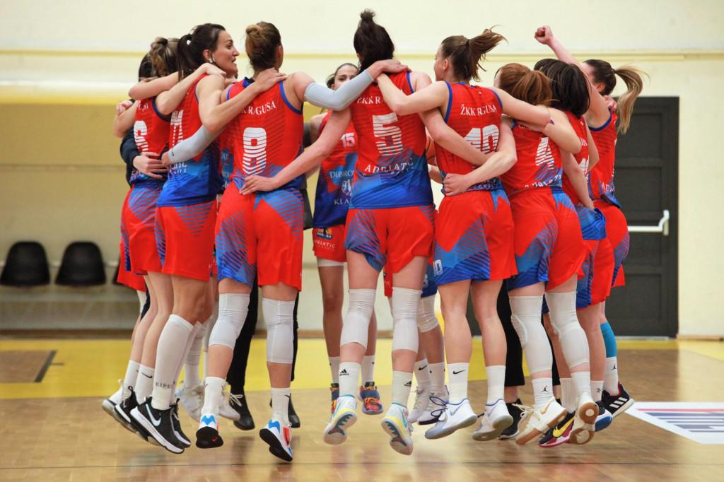 Sreći nema kraja - 'lete' košarkašice Raguse nakon finala...