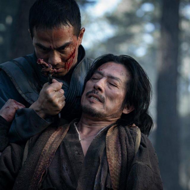 Vječni neprijatelji, ninja Hanzo (Hiroyuki Sanada) i uzdanica Sila zla, Sub-Zero (Joe Taslim)