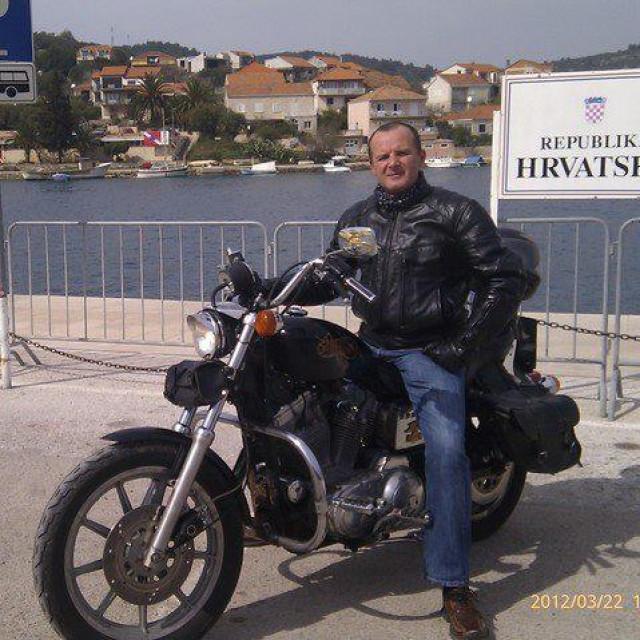 Među brojnim Goretinim hobijima su i motocikli