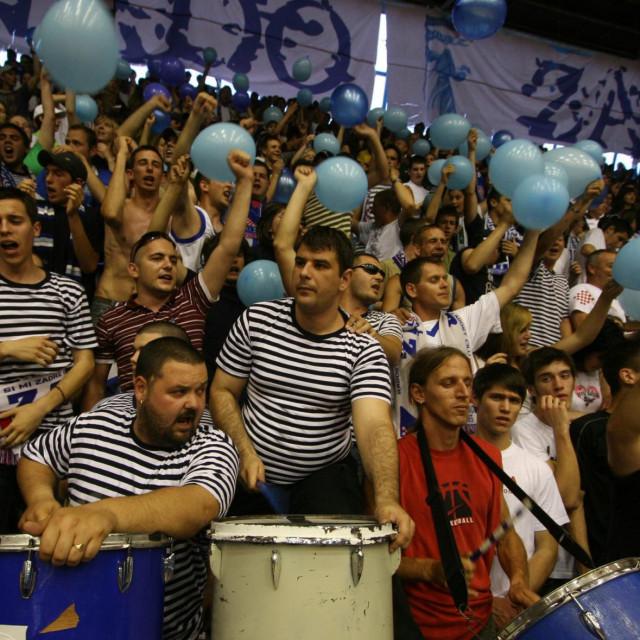 ILUSTRACIJA: Dvorana Jazine u Zadru, košarkaška utakmica polufinale 1. HKL treća odlučujuća utakmica. KK Zadar - KK Zagreb (24.5.2008.)