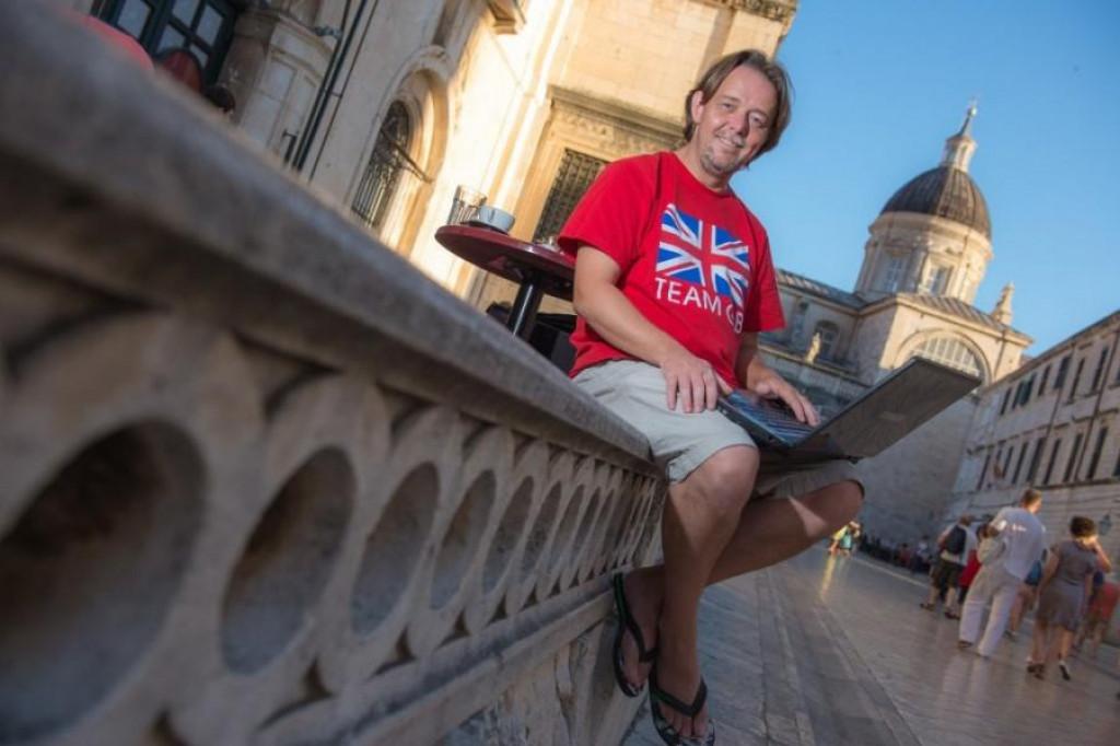 Mark THomas, Englez u Dubrovniku