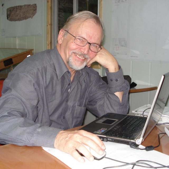 Prof. dr. sc. Jukka Jokilehto, arhitekt, urbanist i konzervator, čovjek je zavidnog utjecaja na razvoj filozofije i teorije zaštite graditeljske baštine na svjetskoj razini