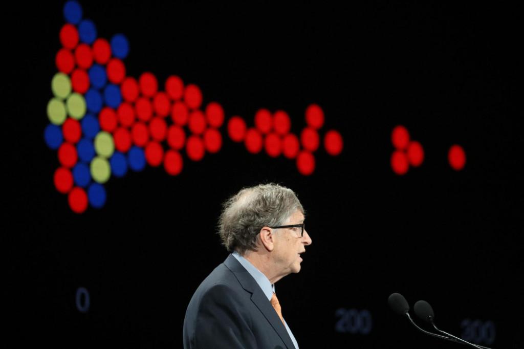 Bill Gates, nije tajna, svoje iznimno bogatstvo ima uglavnom zahvaljujući zakonima o intelektualnom vlasništvu na temelju kojih je svoje softverske inovacije pretvorio u desetke milijardi dolara prihoda