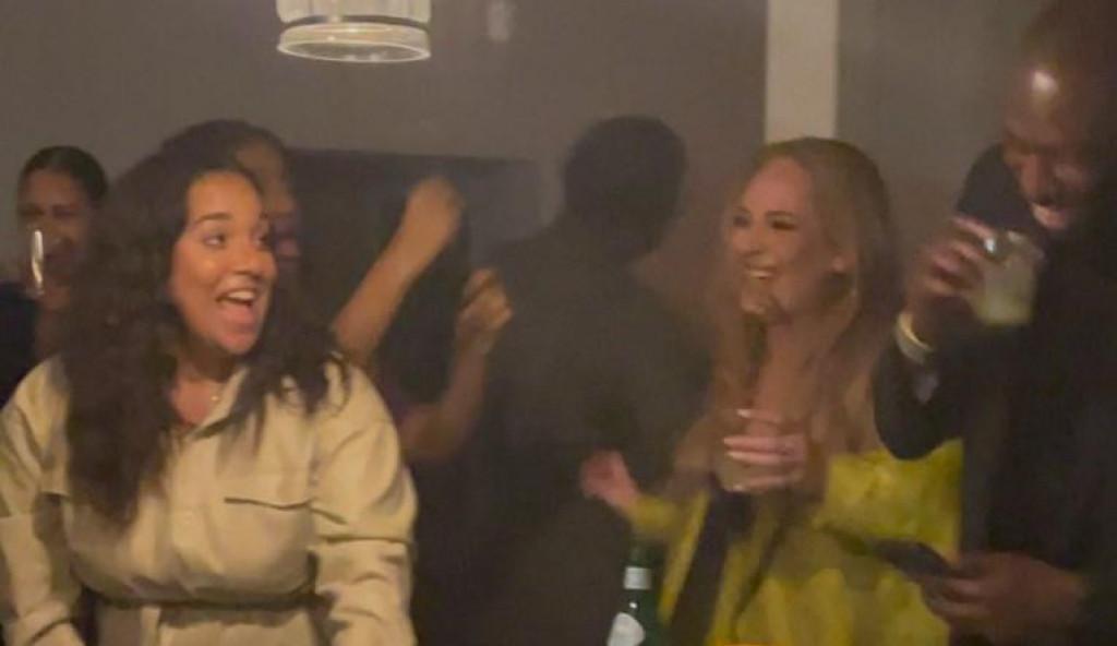 Dobro raspoložena Adele