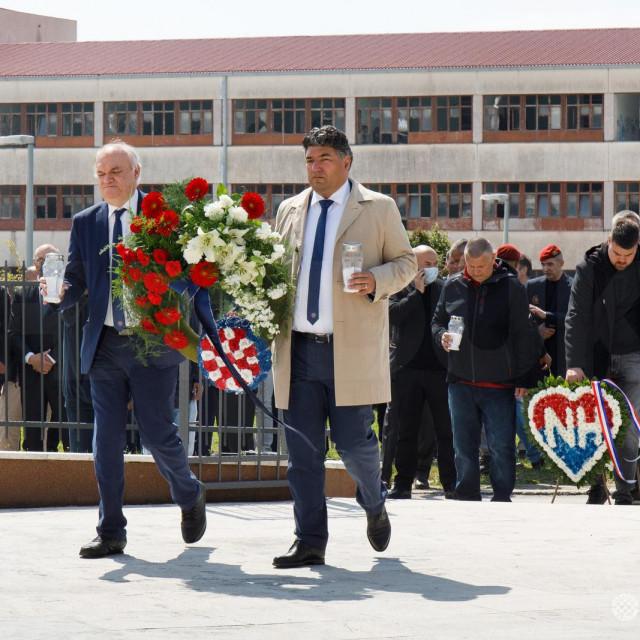 Delegacija Hajduka na DRačevcu