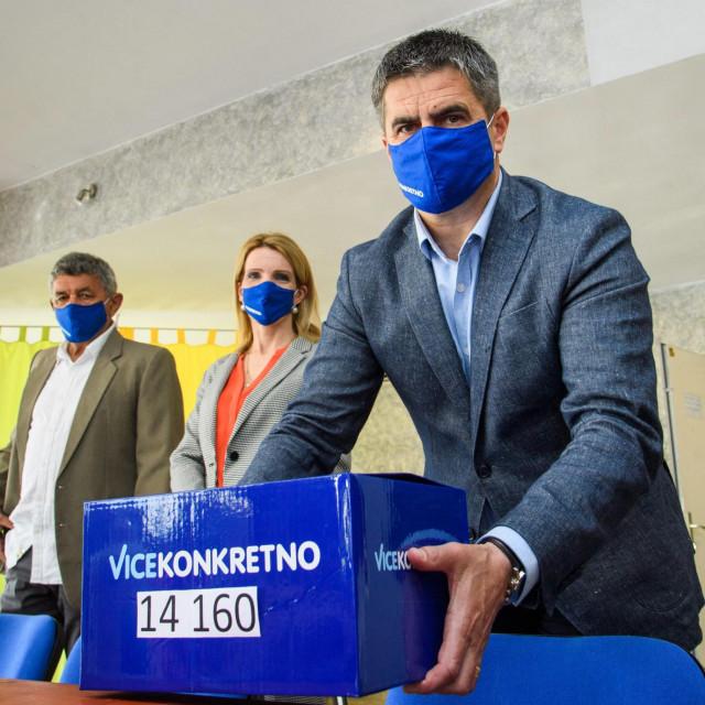 Vice Mihanović donio je najviše potpisa u Gradsko izborno povjerenstvo