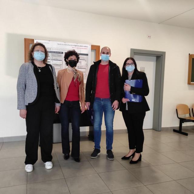 Nikola Blažević kandidat je za gradonačelnika i nositelj liste za Gradsko vijeće, a Sanja Bebek je kandidatkinja za zamjenicu gradonačelnika Grada Knina