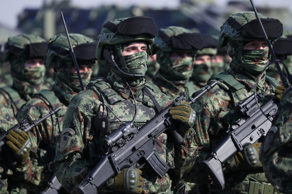 Vojska Srbije na mimohodu u Beogradu