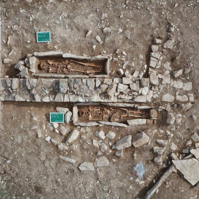 Lokalitet Mukose, otkirveni grobovi