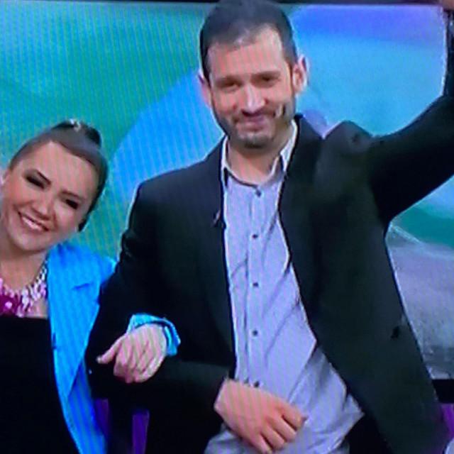Boris Rogoznica krenuo je stopama bivše supruge Doris Pinčić i postao TV voditelj.
