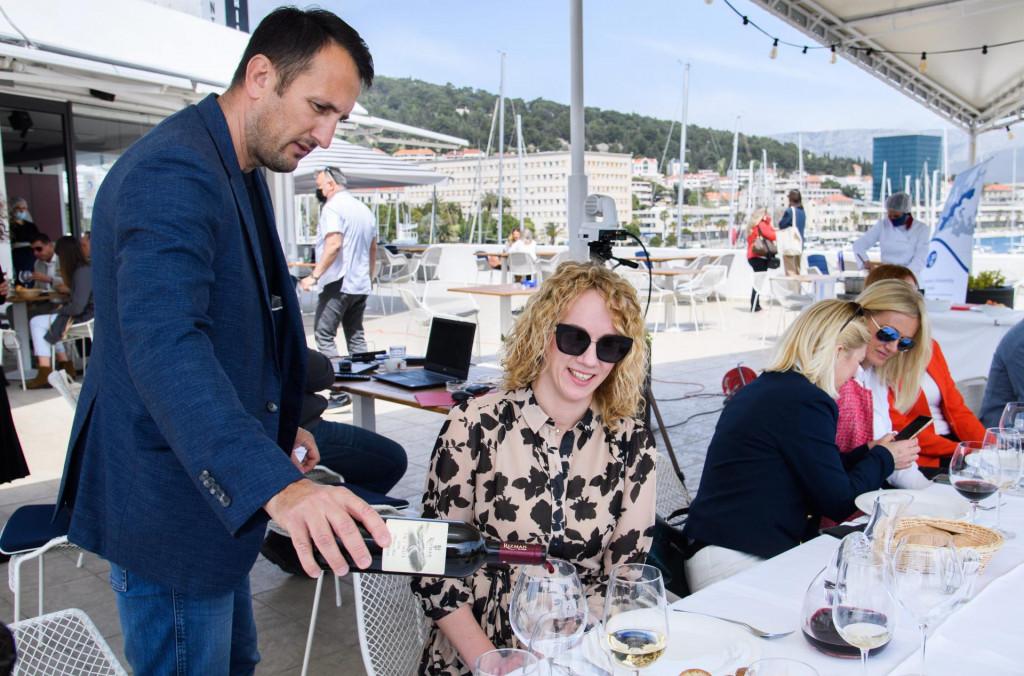 Damir Štimac prezentira vina vinarije Rizman