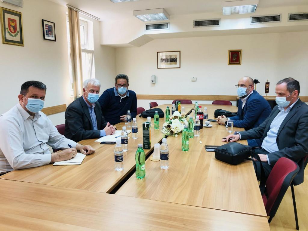 Silvio Nardelli na radnom sastanku s predjsednikom uprave Hrvatskih cesta Josipom Škorićem