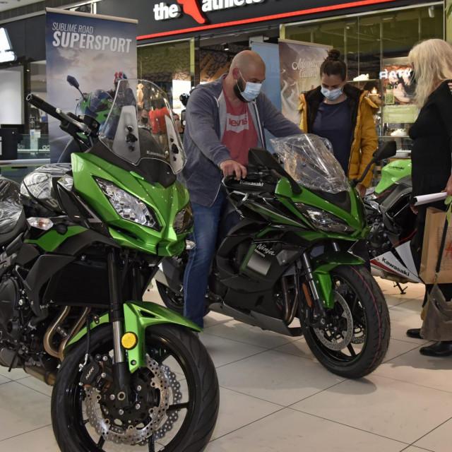 Kawasakijevi motocikli na Auto-moto salonu<br />