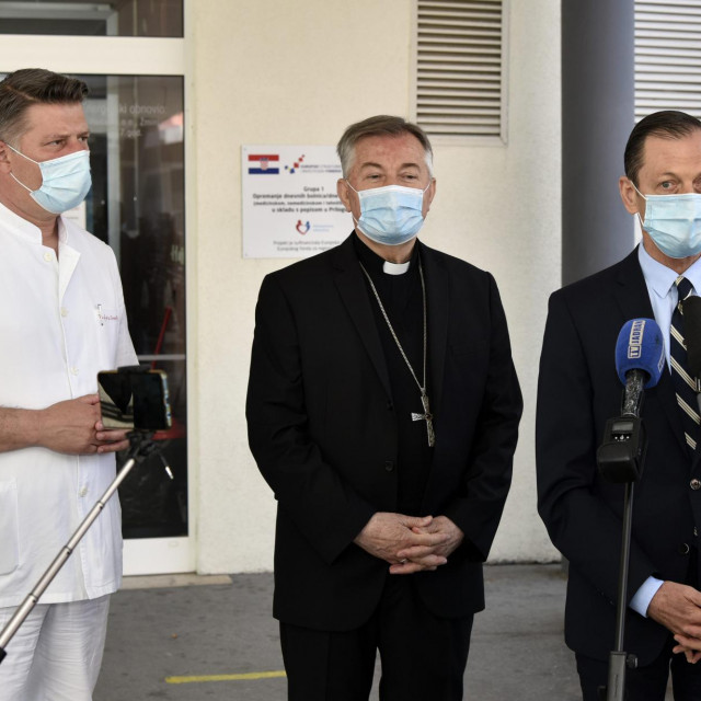 Prof. dr. Zdravko Perko, msgr. Marin Barišić i dr. Julije Meštrović