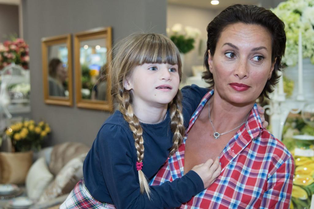Leonarda s najmlađom kćeri Ružom snimljena u Zagrebu 2016. godine