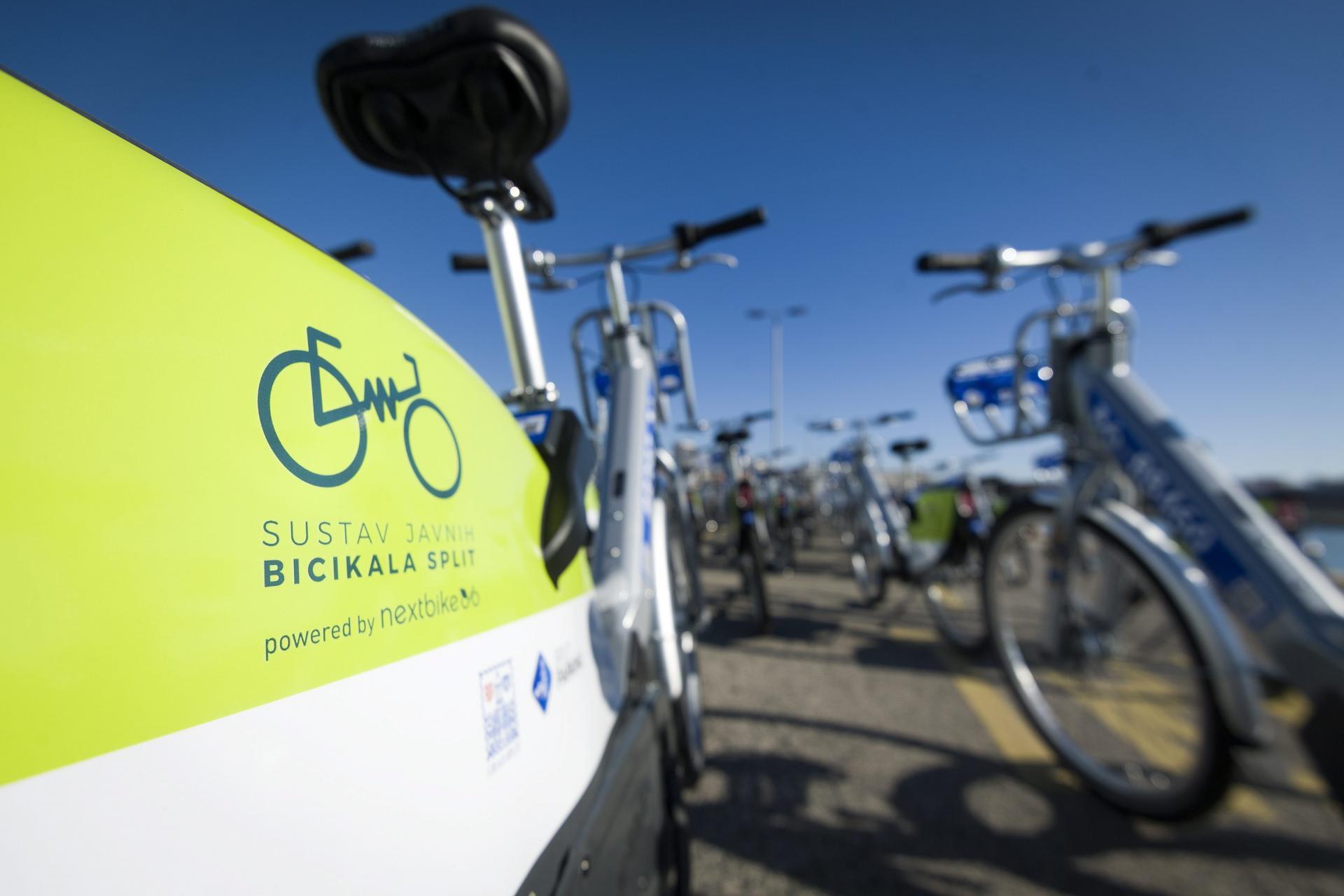Javna bicikla koju je netko nepoznat ukrao 'Split parking' pronađena je potpuno uništena. Istraga traje, a šteta je par tisuća kuna