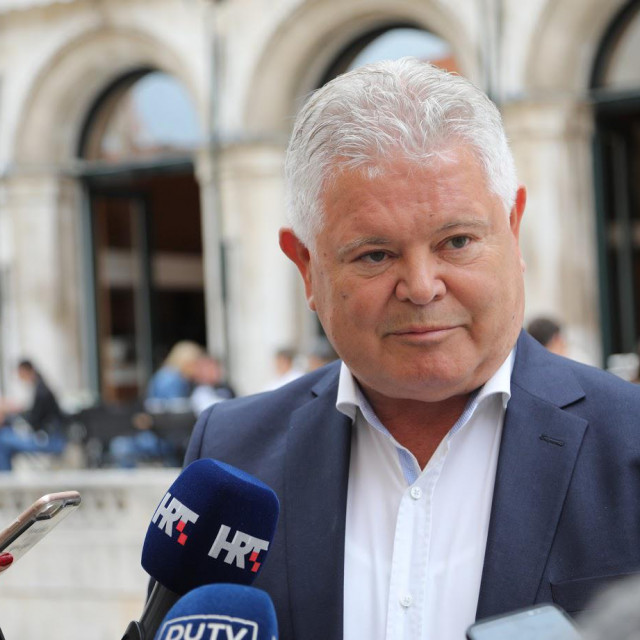 Andro Vlahušić, Platforma Dubrovnik naš Grad
