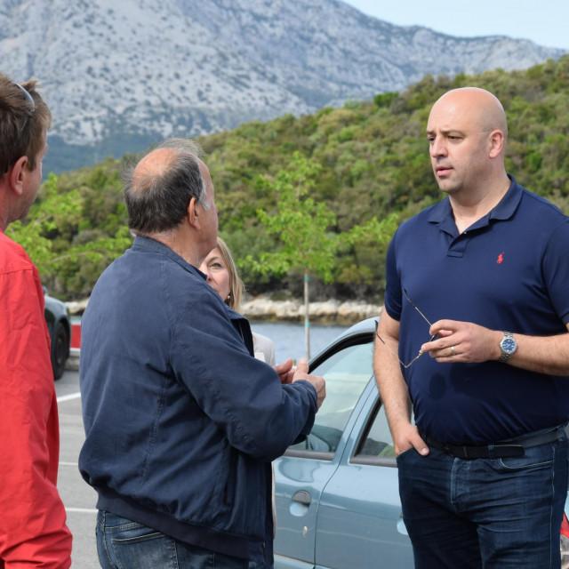 Nezavisni kandidat za župana DNŽ Roko Tolić u obilasku Korčule