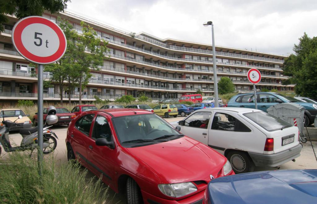 Na predjelu Firula mjesto za parking je teško naći