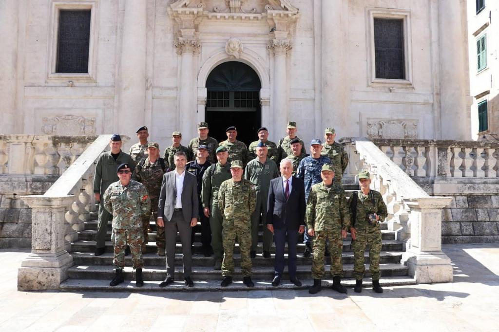 Župan Dobroslavić i gradonačelnik Franković primili polaznike ratne škole J.B. Jelačić