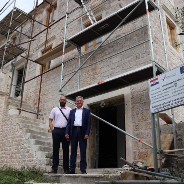 Šibenski gradonačelnik obišao radove na Hrvatskom centru koralja Zlarin
