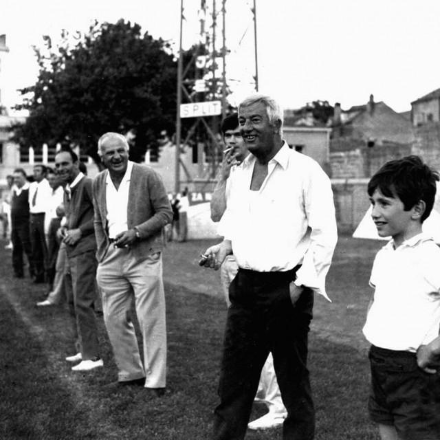 Miljenko Smoje s Franom Matošićem na Starom placu oko 1967. na terenskom istraživanju za 'Hajdučku legendu'