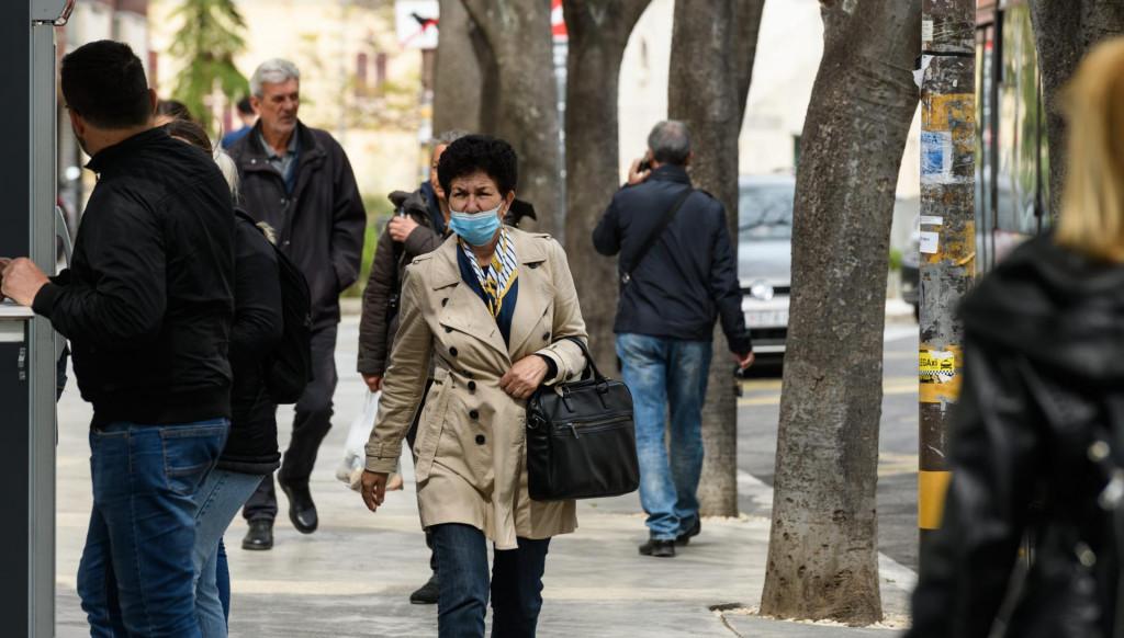 I kada se popravi epidemiološka situacija, neki će nastaviti nositi maske na otvorenome