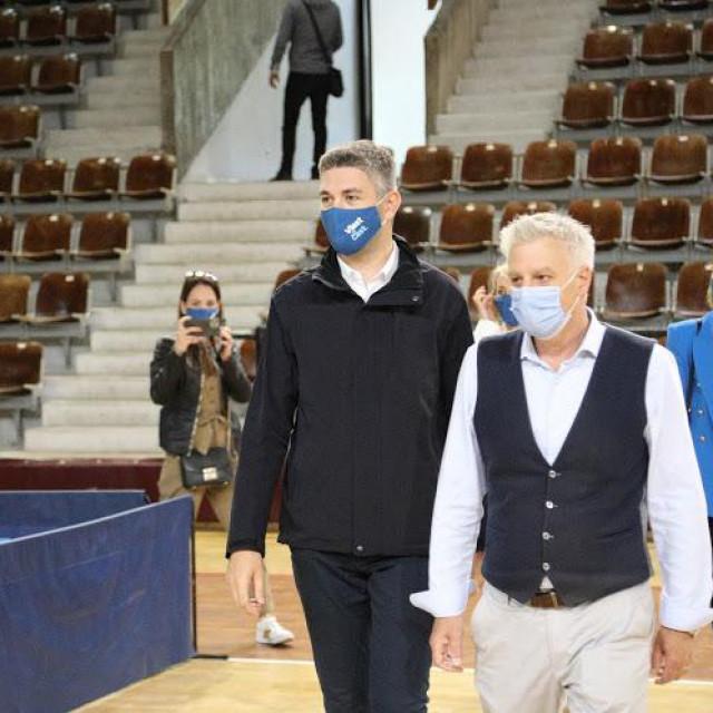 Gradonačelnik Mato Franković posjetio punkt cijepljenja gdje se danas cijepi 1.400 turističkih djelatnika