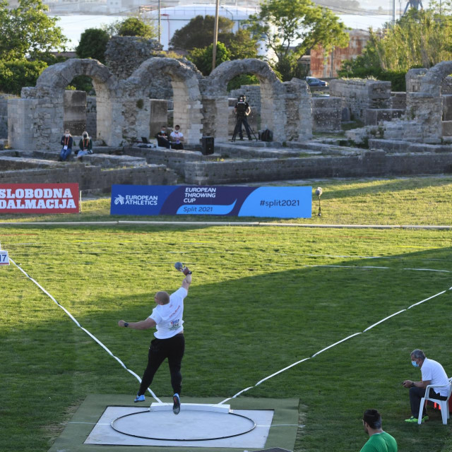 Split, 080521.<br /> Park mladezi.<br /> Europski bacacki kup, tradicionalno natjecanje europskih bacaca, odrzava se ove godine u Splitu.<br /> Na fotografiji: disciplina kugla, muski, senior A<br />