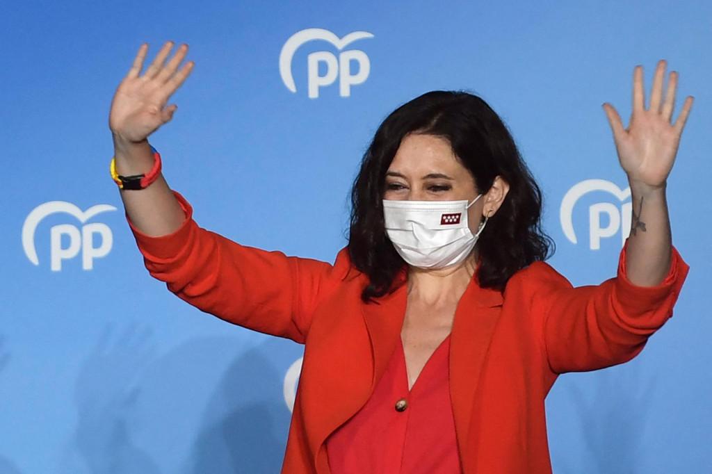 """Na izborima u Madridu stajala je Konzervativna narodna stranka, HDZ ova sestrinska stranka, na čelu s<strong> </strong>Isabel Diaz Ayuso koja je ljevicu i centar u Madridu potukla do nogu i izbrisala s tamošnje političke scene. Govorila je je protiv """"crvenih"""", napustila pro LGBT agendu koje su prihvatile sve demokršćanske i narodnjačke stranke u EU"""